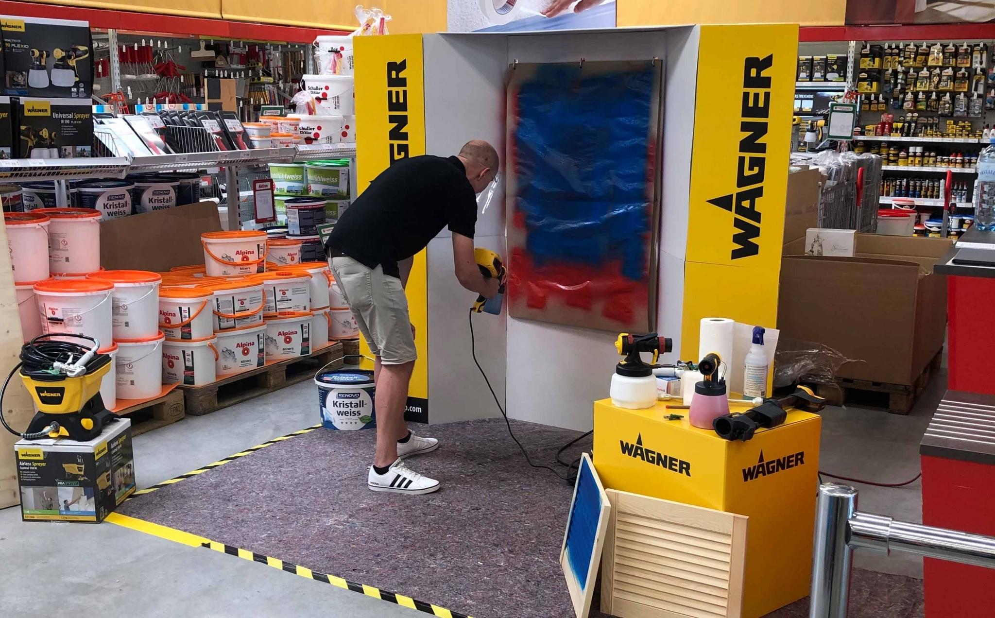 Ein Produkvorstellungs-Aufbau im hagebau Lieb Markt Feldbach mit einem Wagner Farbsprühsystem